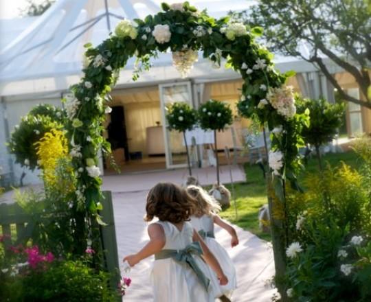 Joanna Carter wedding flowers Oxfordshire, Berkshire, Buckinghamshire, Marquee flowers