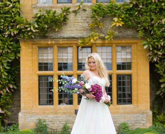 Le Manoir - Beautiful bespoke & elegant bouquet - gorgeous fabulous wedding flowers by Joanna Carter Wedding Flowers, Oxford, Oxfordshire, Buckinghamshire, Berkshire and London.