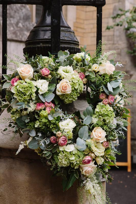 Elegant Bespoke Oxford College Wedding Flowers at Balliol College Oxford Joanna Carter Wedding Flower Oxford Oxfordshire Buckinghamshire Berkshire London