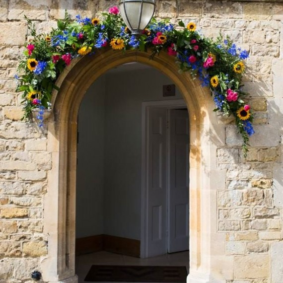 Notley Abbey wedding Joanna Carter flowers, entrance swag