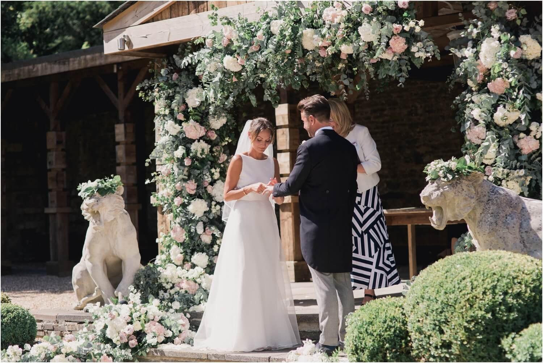 Aynhoe-Park-Wedding-Photos-_-Aynhoe-Park-Weddings-_-Faye-Cornhill-Fine-Art-Photographer_0045