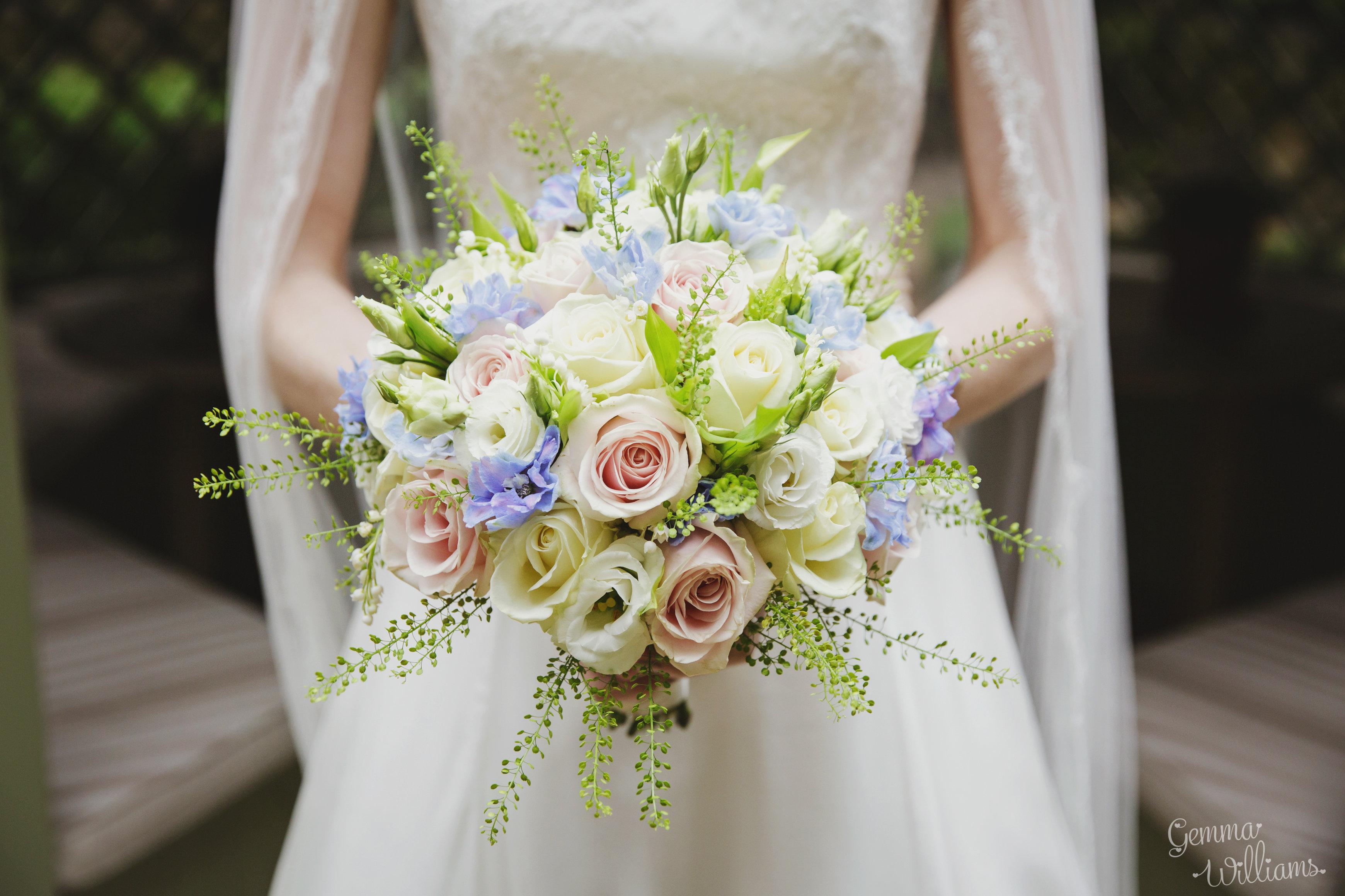 Gorgeous Elegant Oxford College Wedding Flower bouquet at Rhodes House Oxford Joanna Carter Wedding Flower Oxford Oxfordshire Buckinghamshire Berkshire London
