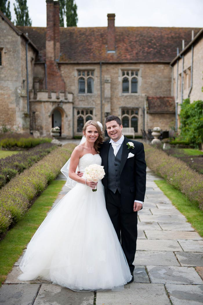 Elegant Bespoke Wedding Flowers at Notley Abbey Buckinghamshire   Joanna Carter Wedding Flowers Oxford   Oxfordshire   Buckinghamshire   Berkshire   London