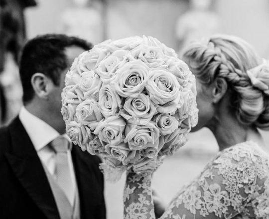 Stunning brides bouquet Joanna Carter Wedding Flowers Oxford Oxfordshire Buckinghamshire Berkshire London