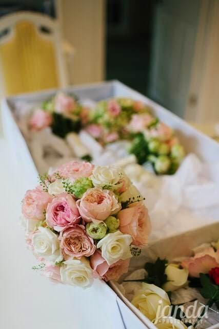 Bridal Flowers, Joanna Carter Wedding Flowers, Oxford, Oxfordshire, Buckinghamshire, Berkshire & London