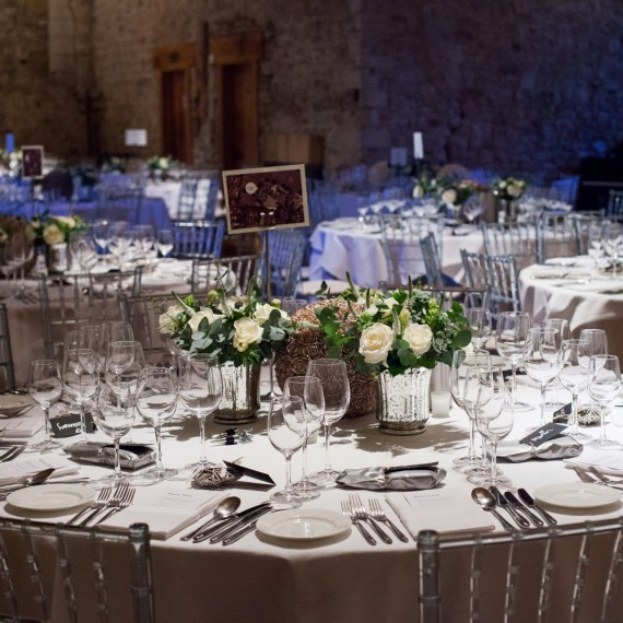 Elegant Wedding Flowers at Notley Abbey Buckinghamshire | Joanna Carter Wedding Flowers Oxford | Oxfordshire | Buckinghamshire | Berkshire | London