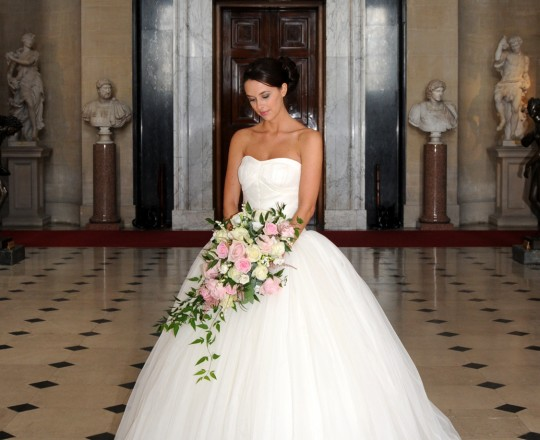 Beautiful Bespoke Elegant Brides Shower Bouquet, with gorgeous, stunning & fabulous Flowers - Luxury wedding flowers at Blenheim Palace, Oxfordshire, Joanna Carter Flowers