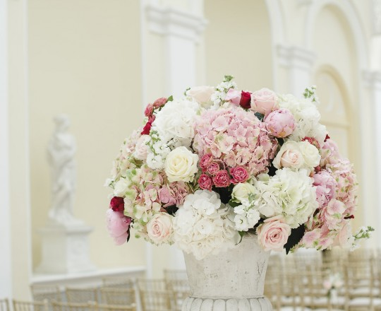 Bespoke Elegant Wedding Flowers | Ceremony Urn | Blenheim Palace Oxfordshire