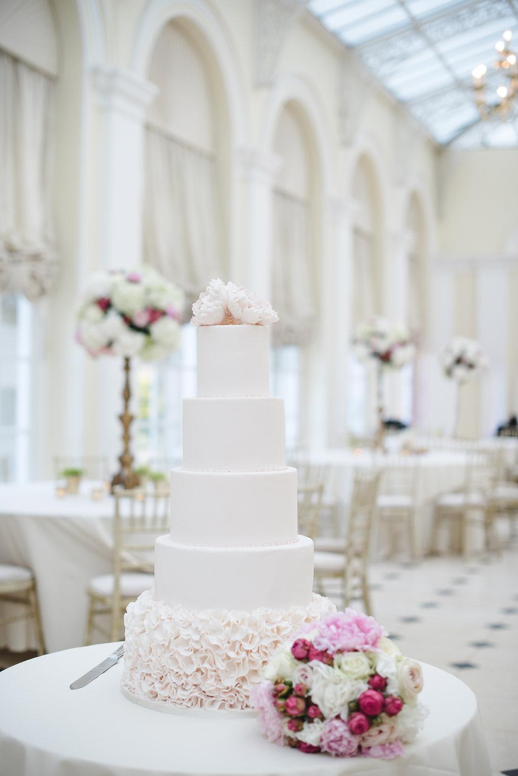 Helen and Adam\'s beautiful Blenheim Palace Wedding Flowers ...