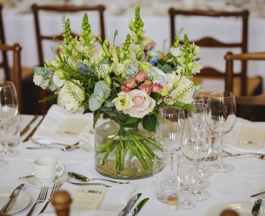 Table Flowers, Joanna Carter Wedding Flowers, Oxford, Oxfordshire, Buckinghamshire, Berkshire and London
