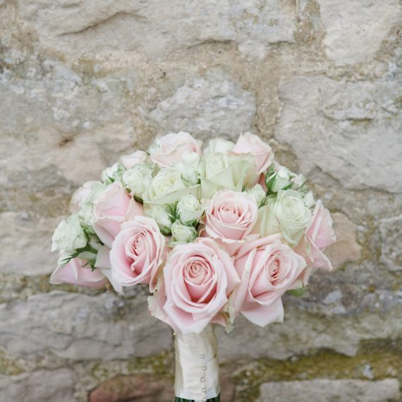 Beautiful bespoke elegant bouquet - gorgeous fabulous wedding flowers by Joanna Carter Wedding Flowers, Oxford, Oxfordshire, Buckinghamshire, Berkshire and London.