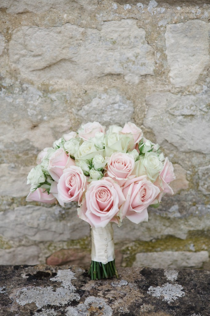 Brides bouquet, Caswell House, Joanna Carter wedding flowers, Oxfordshire, Berkshire, Buckinghamshire, London