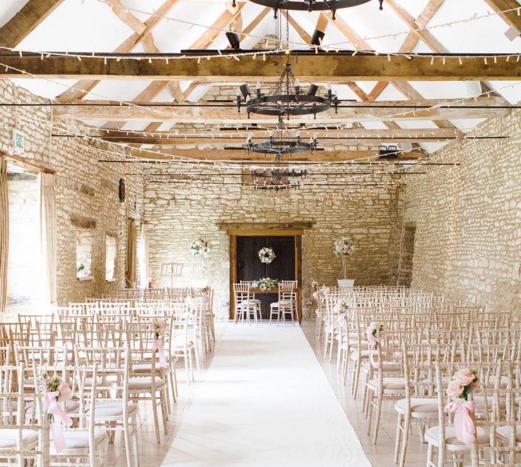 Ceremony Flowers, Caswell House Joanna Carter wedding flowers, Oxfordshire, Berkshire, Buckinghamshire, London