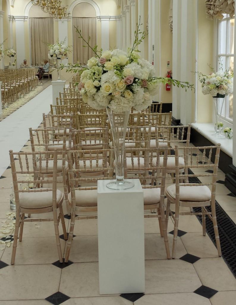 Tim and Tanwa's elegant Blenheim Palace wedding flowers, Oxfordshire