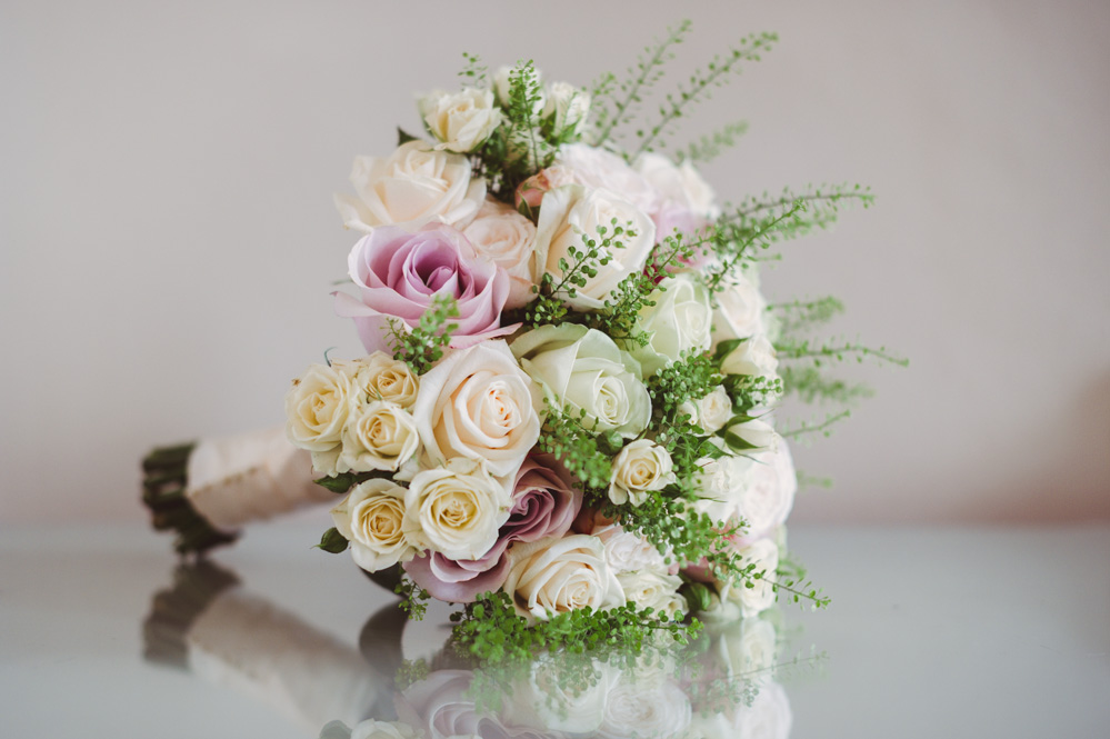 Oxford college bridal bouquet, Joanna Carter wedding flowers, Oxfordshire, Berkshire, Buckinghamshire